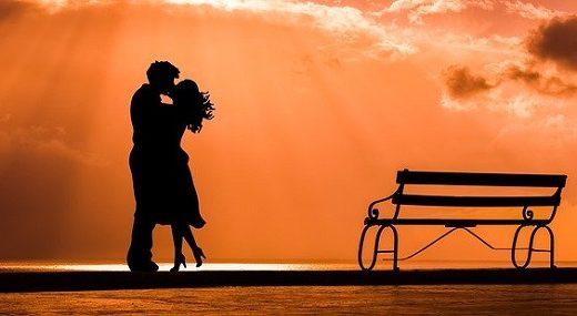 キスするとき口臭ってわかる?気になっている人のための対策を解説